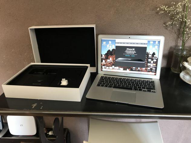 Apple mac air