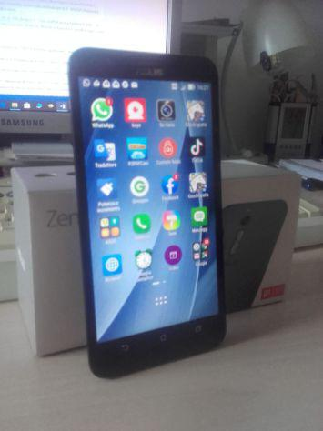 Smartphone asus ze551