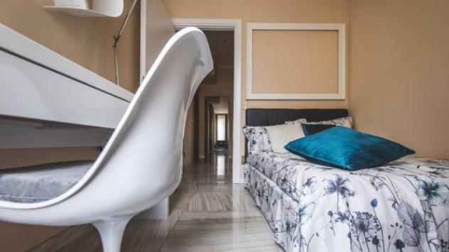 Villa o villetta di 240 m² con più di 5 locali in affitto