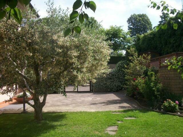 Viterbo semicentro con grande giardino