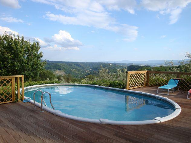 Appartamento in casale toscano con piscina