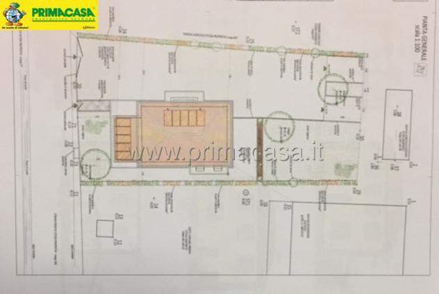 Casa indipendente di 600 m² con 3 locali e box auto in