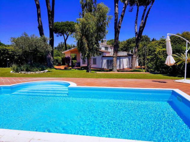 San felice circeo villa elegante con piscina e 50 metri dal