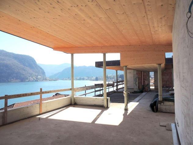 V003387 - attico fronte lago