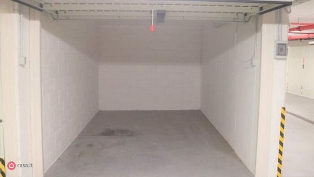Garage/posto auto di 16mq in corso goffredo mameli a rapallo