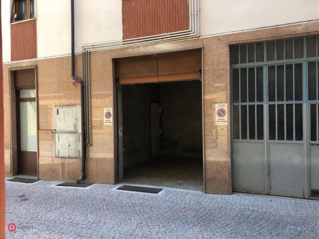 Garage/posto auto di 20mq in via garibaldi a canale