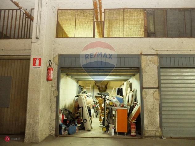 Garage/posto auto di 25mq in via fuga a caserta