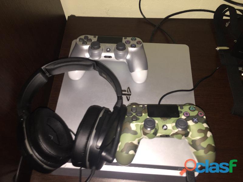 Playstation 4 slim 1tb e due joistick