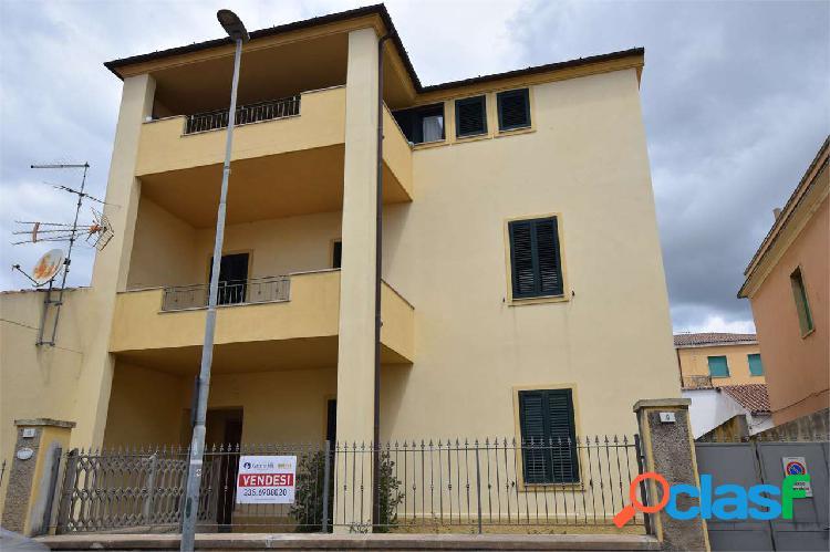 Appartamento con ampio cortile in zona centrale