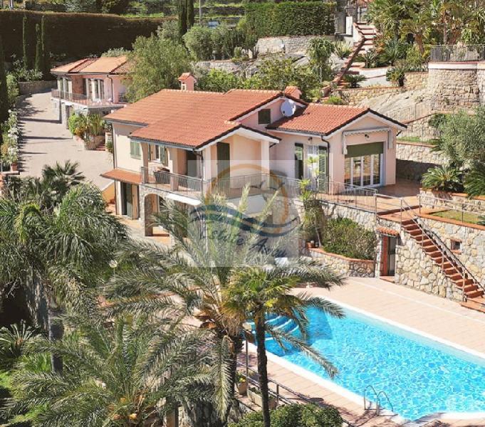 Iv1109 ville con piscina e vista mare in vendita bordighera