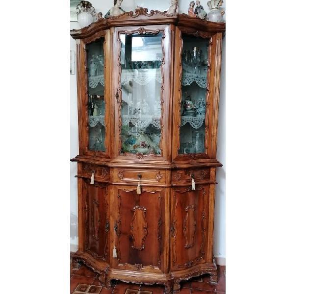 Credenza a vetrina antica