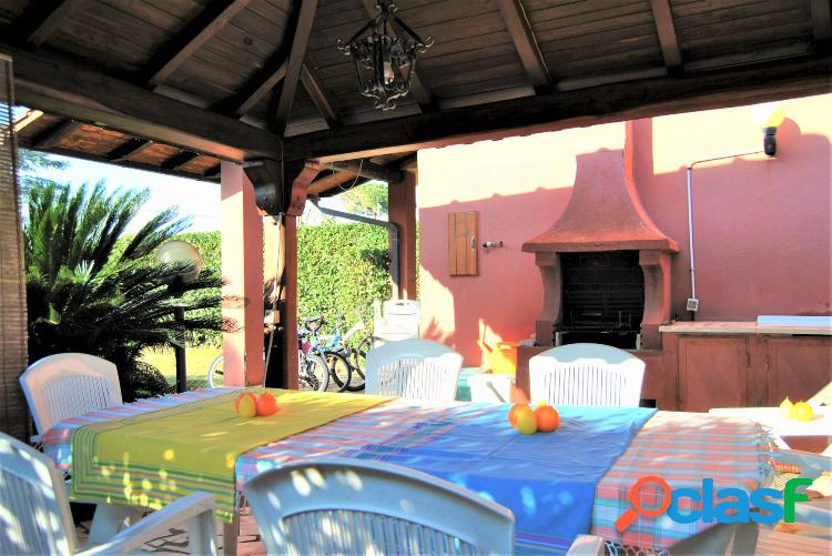 Sabaudia - villino 3 locali € 149.000 t202