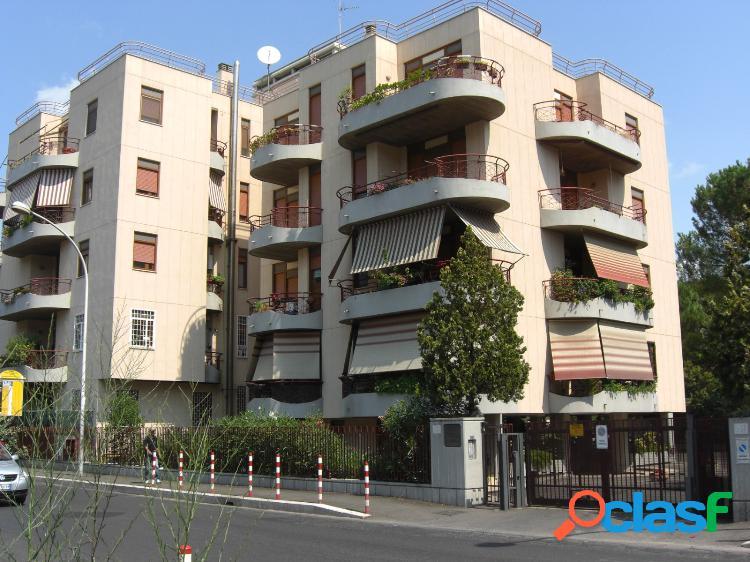 Appartamento uso ufficio 3 locali € 750 ua301