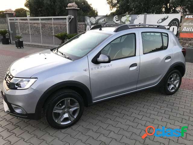 Dacia sandero benzina in vendita a taranto (taranto)