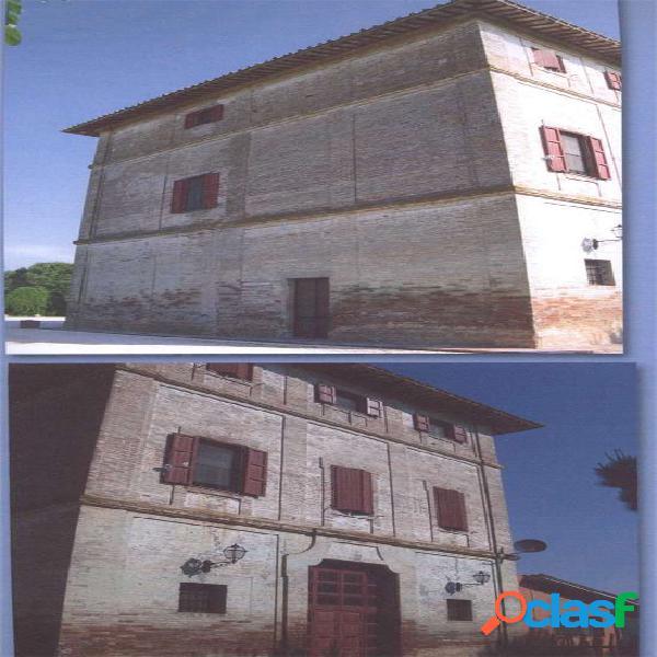 Palazzo storico a san martino in campo