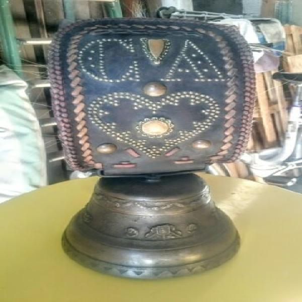 Campana campanaccio antico per mucche fonderia obertino