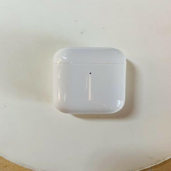 Custodia airpods con ricarica wireless come nuova