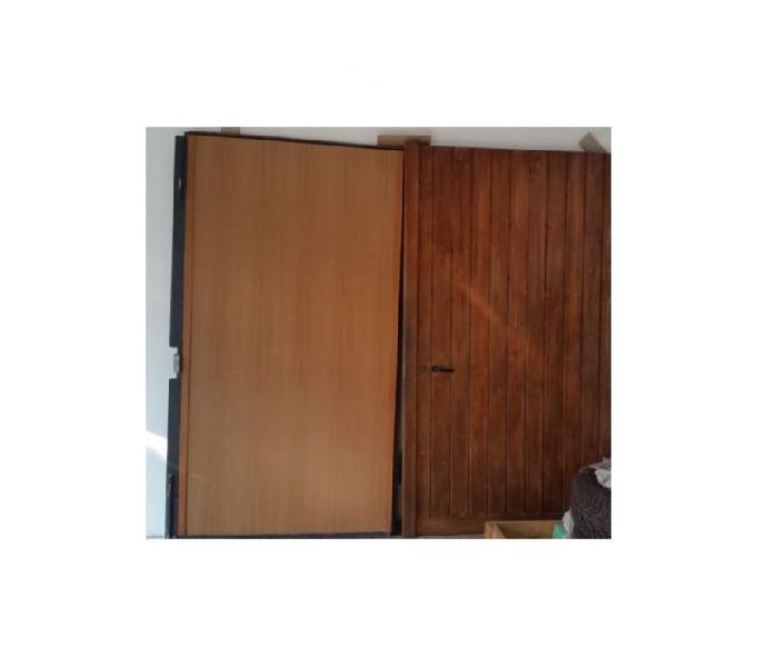 Portone in ferro rivestito in legno
