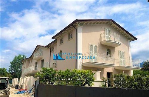 Villa a schiera 3 locali montignoso cinquale
