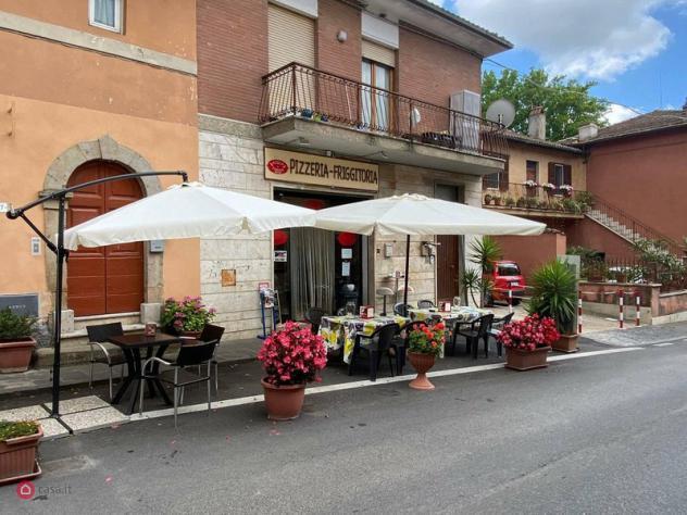 Attività/Licenza commerciale di 100mq in Via Roma 0 a