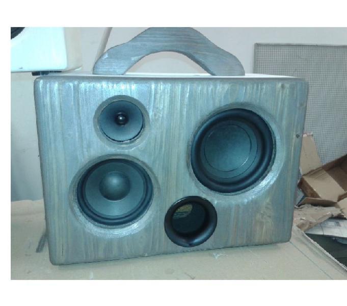 Boombox in vero legno massello con bluetooth, batt. a litio