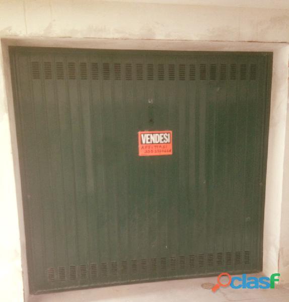 Garage di 30 mq in seminterrato di facile accesso presso