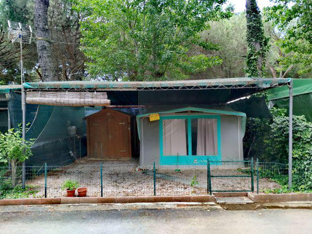 Roulotte con veranda tettoia e cucinotto