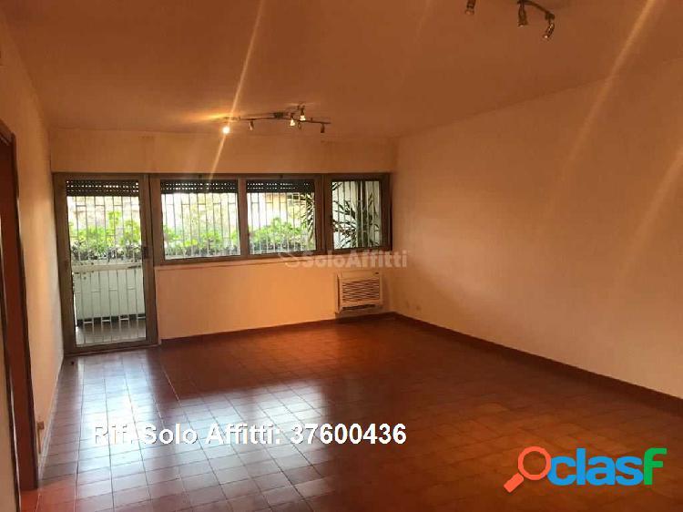 Appartamento in affitto 4 locali 1.000 eur 37600436