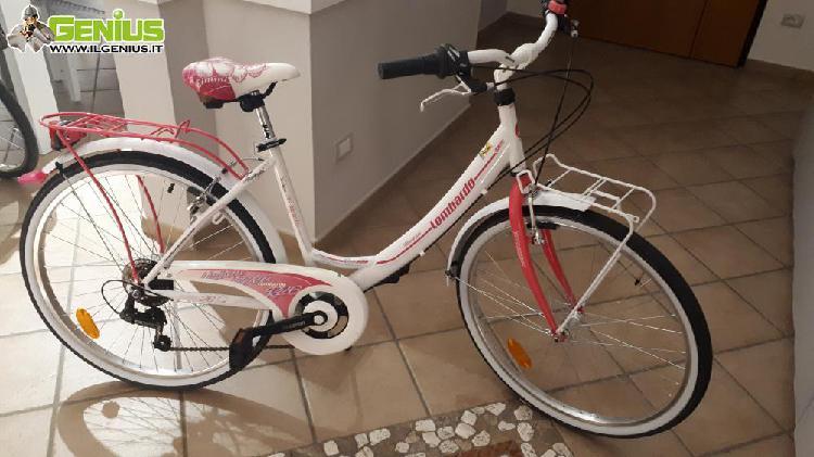 City bike bambina 10/14 anni usata un'estate, colore bianco