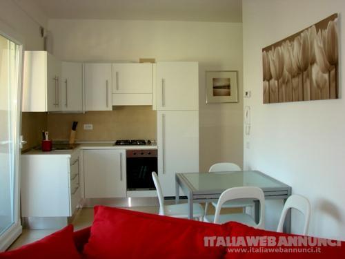 Gabicce mare luminoso appartamento bilocale arredato a 50