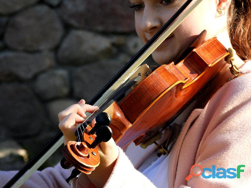 Pianista, violinista e soprano a