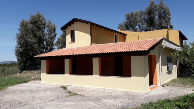 Villa con terreno e garage del 2010- no sognatori