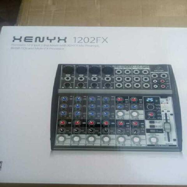 Mixer behringer xenyx 1202fx nuovo
