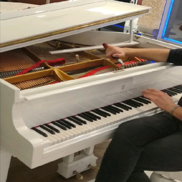 Accordatore di pianoforte