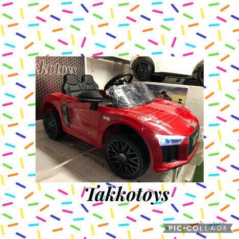Auto macchina elettrica audi r8 power rosso