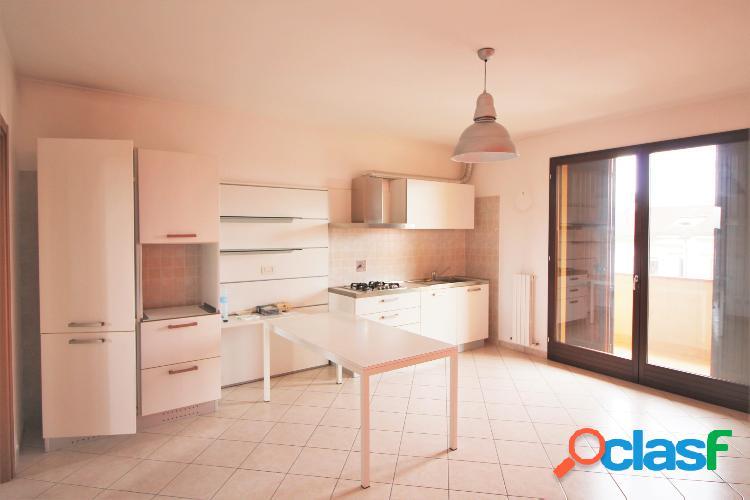 Appartamento semi indipendente con terrazzo