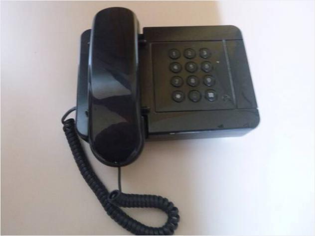 Telefono vintage nero usato