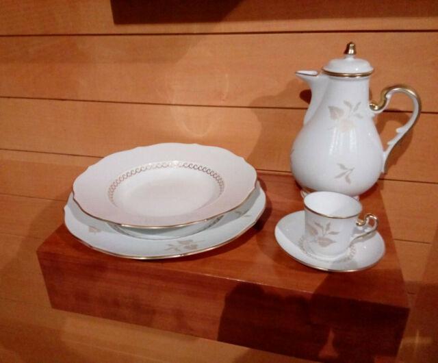 Servizio di piatti e di caffè in porcellana ginori