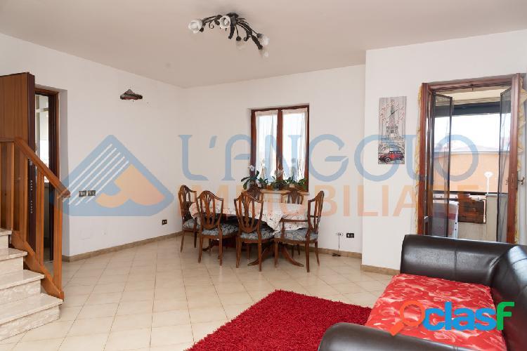Campo sportivo - appartamento bilivello € 209.000 t505