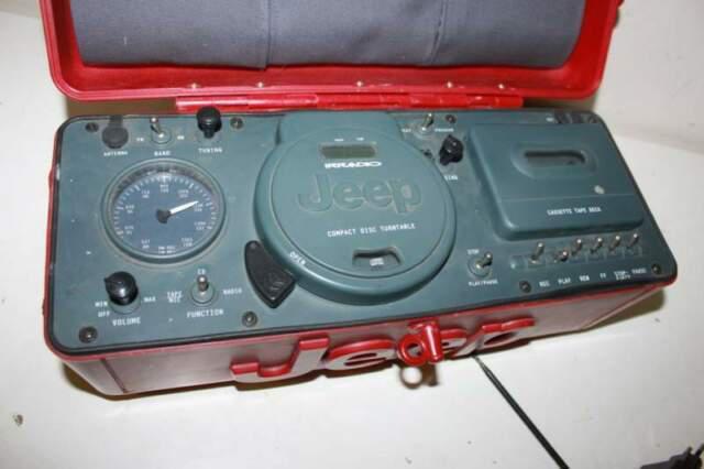 Radio irradio jeep rossa da collezione