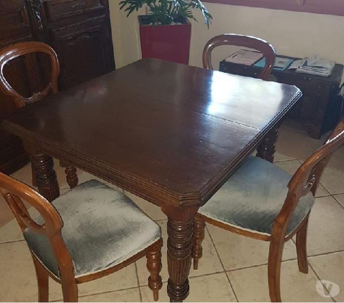 Antico tavolo inglese della fine 800 con 4 sedie