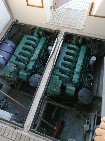 Cabinato motore volvo 29 peidi