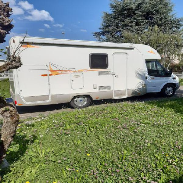 Vendo camper semintegrale rimor su ford transit 2000 cc anno