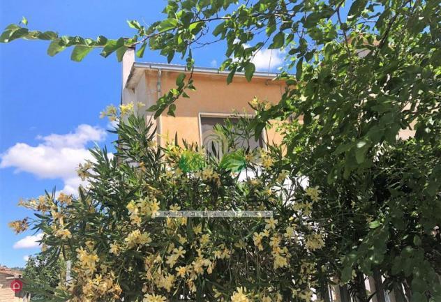 Casa indipendente di 240mq in via salinello a bellante