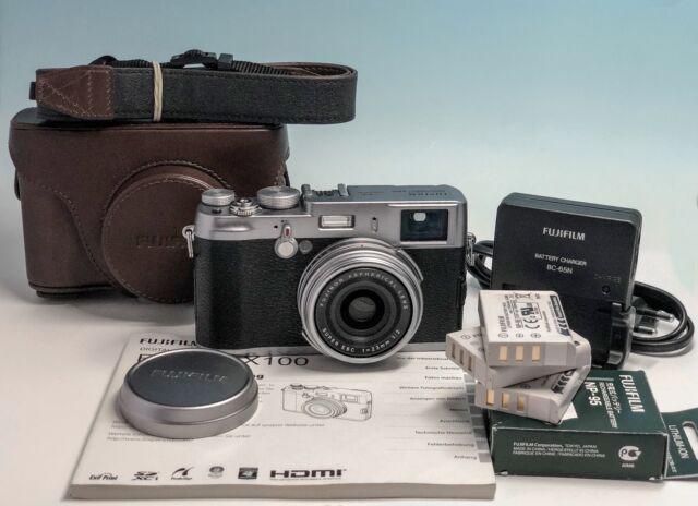 Fujifilm x100 con ottica23/2 + 3 batterie e custodia cuoio