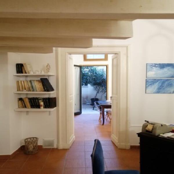 Lecce centro storico affittasi appartamento arredato