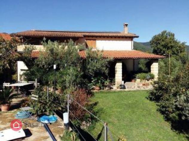Villa di 1304mq in viale giacomo mancini, 28 87044 -