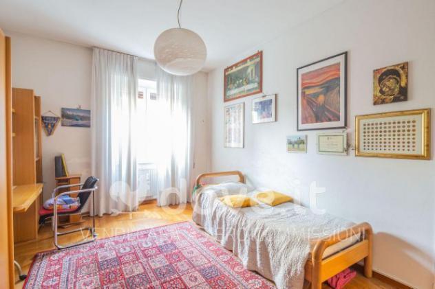 Appartamento di 190 m² con 5 locali in vendita a varese