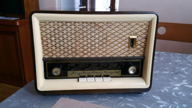 Radio valvolare siemens funzionante per.
