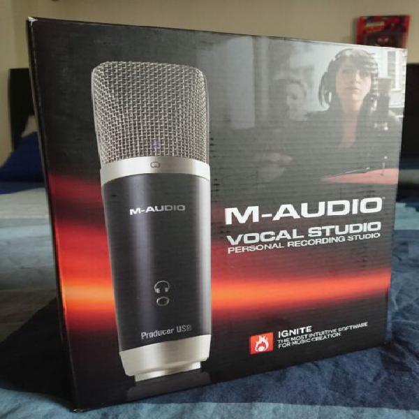 Microfono usb (colegamento tipo a) m-audio vocal studio.
